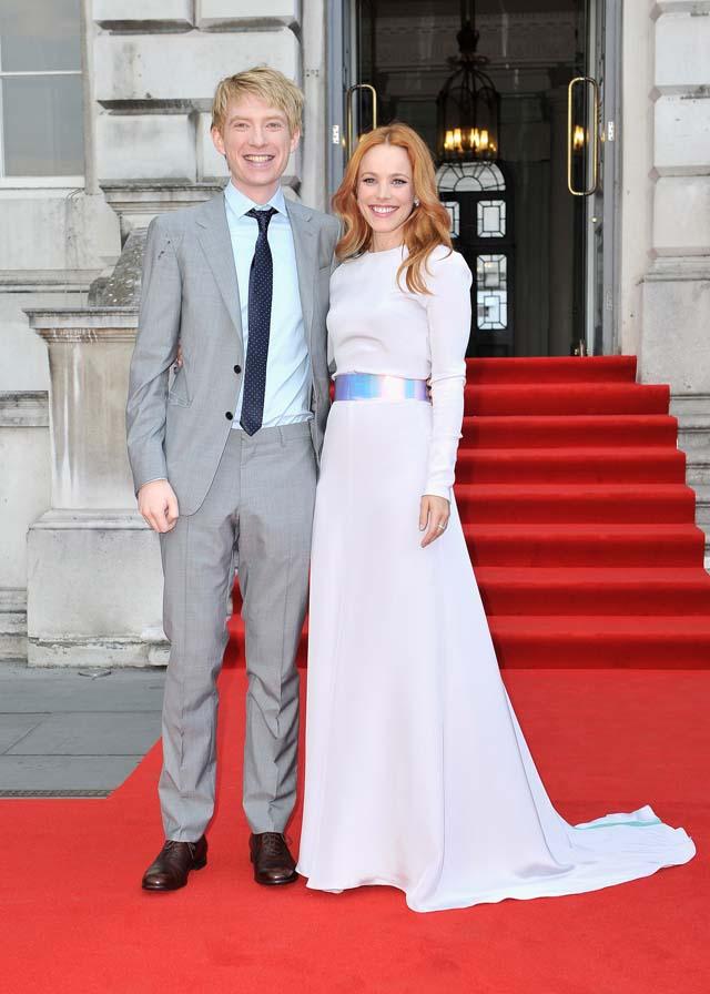 Domhnall Gleeson Rachel McAdams dating?