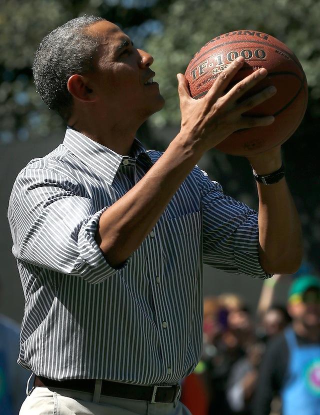 obama playing basketball