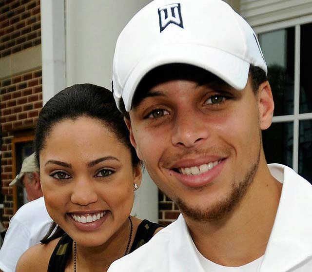 Is Steph Curry married