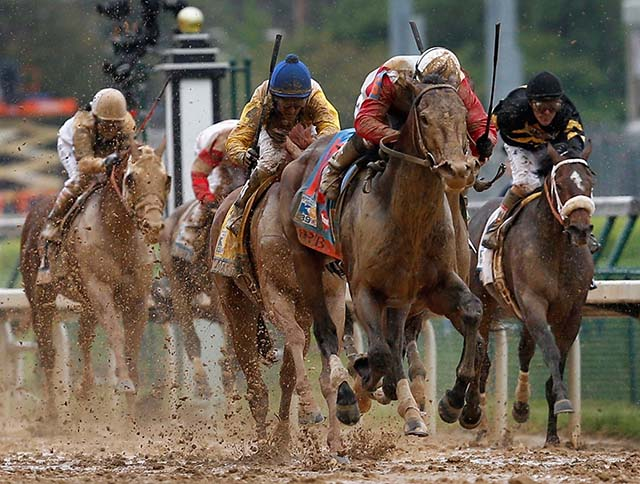 Jockey Joel Rosario rides Orb to victory in the 2013 Kentucky Derby. (Getty)