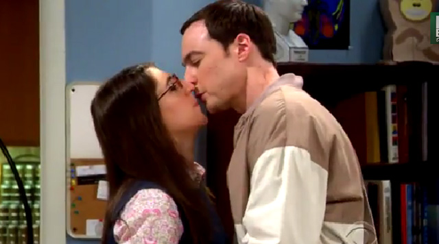 sheldon and amy kiss, Indecision Amalgamation, big bang theory,