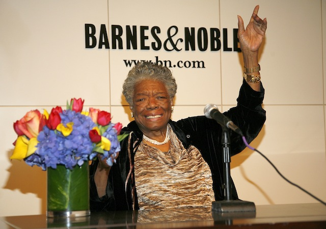 The late Maya Angelou at Barnes & Noble signing in 2008. (Getty)
