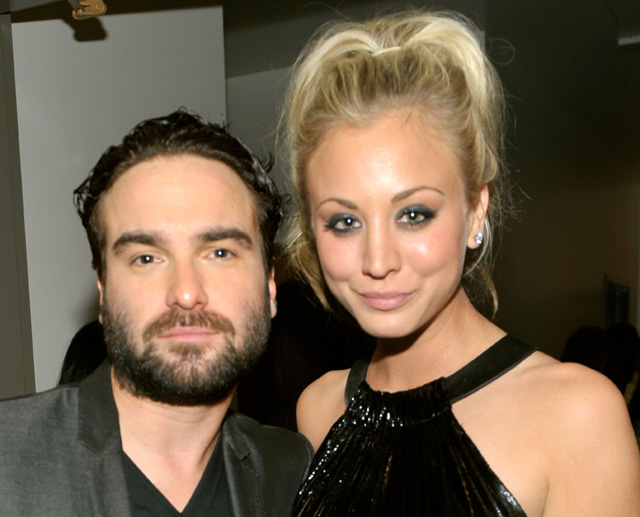 johnny galecki and kaley cuoco, penny and leonard, penny and leonard engaged
