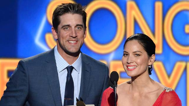 49th Annual Academy Of Country Music Awards, olivia munn and aaron rodgers, olivia munn boyfriend