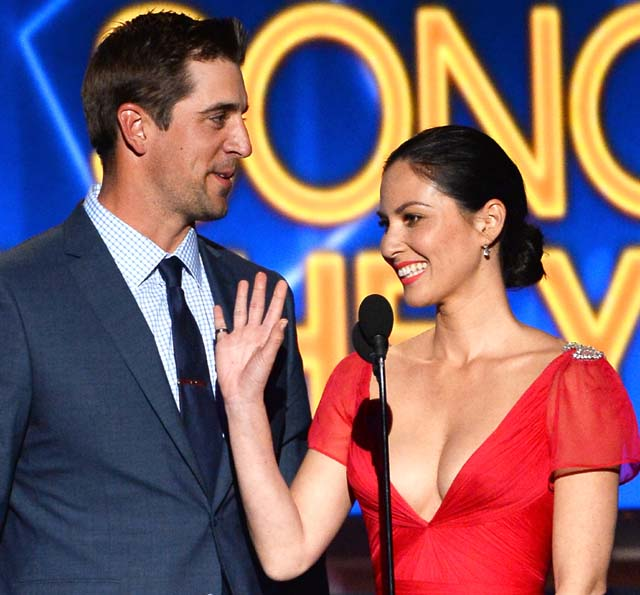 aaron rodgers gay, aaron rodgers dating