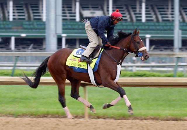 Wicked STrong runs on the track April 30 at Churchill Downs. (Getty)