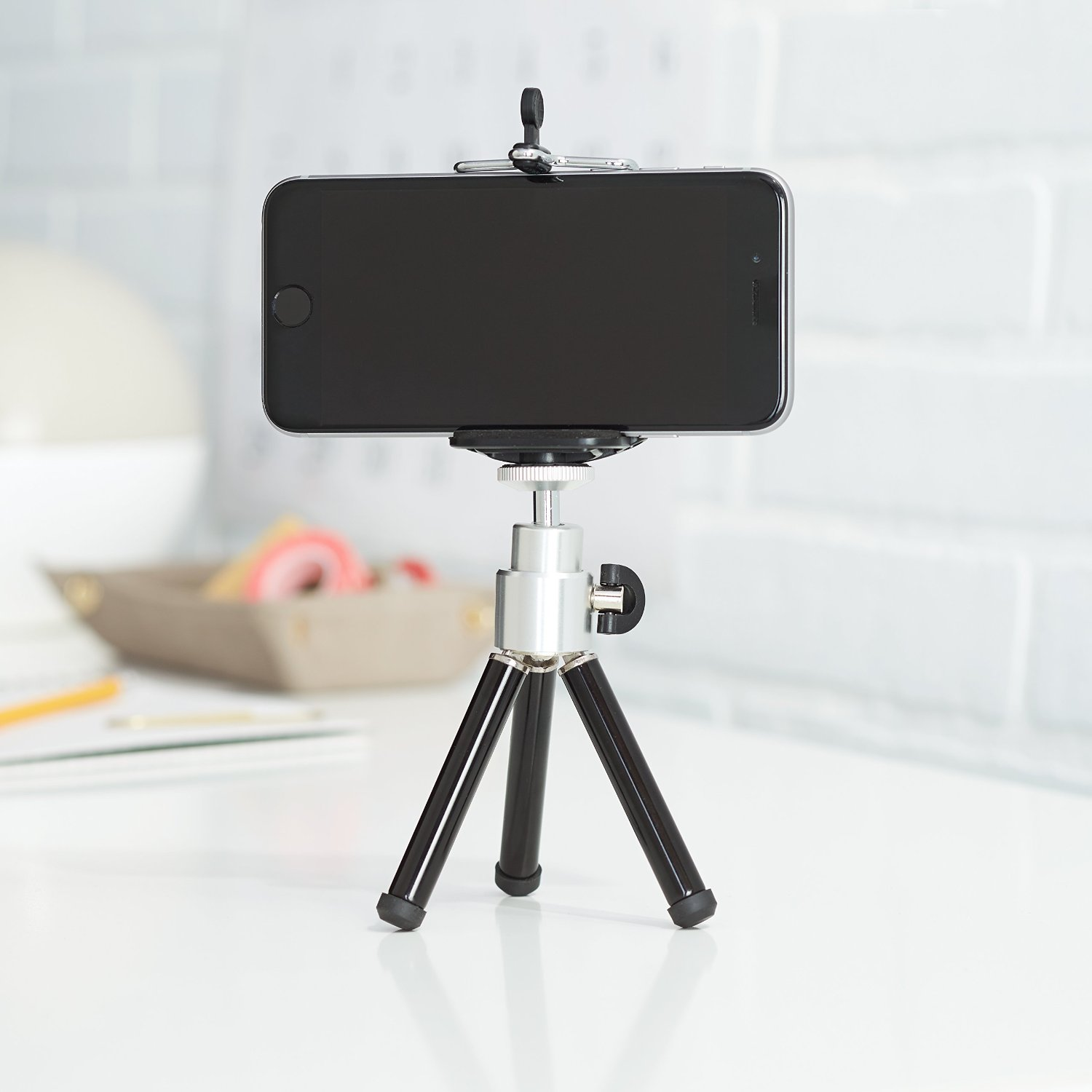 Amazon Basics mini tripod, mini camera stand, small tripod, travel tripod