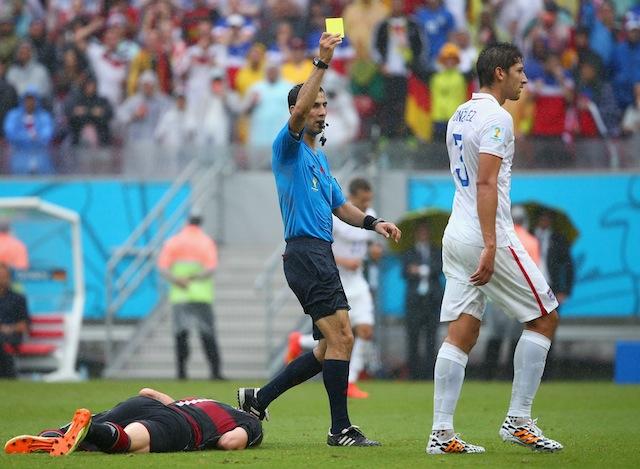 germany vs usa yellow card