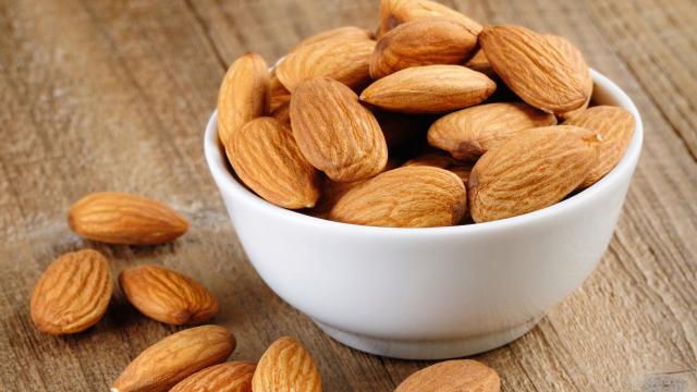 almonds diet snack
