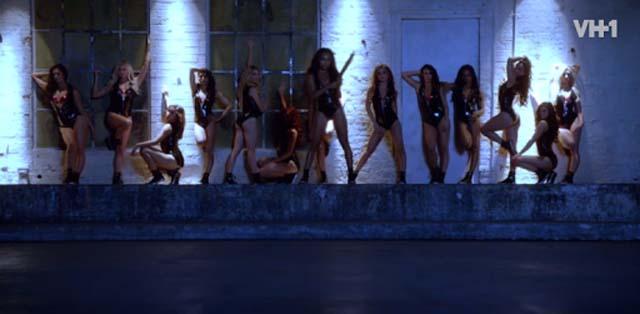Hit the Floor dance