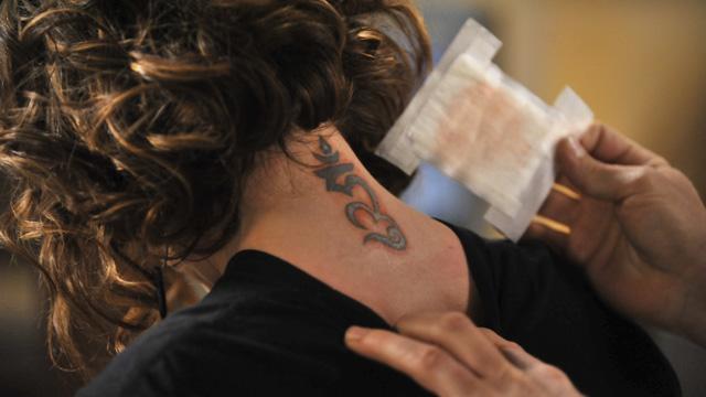 mistresses, alyssa milano, season 2, season 2 episode 5, savi tattoo