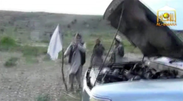 bowe bergdahl release, taliban hold white flags