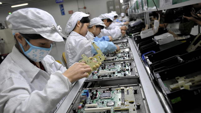 foxconn, hon hai, foxconn death, foxconn suicide, hon hai employee death, china, china working conditions, china labor laws, apple, iphone 6