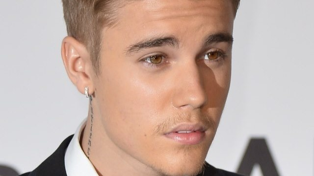 Justin Bieber Young Hollywood Awards 2014, Young Hollywood Awards 2014, Young Hollywood Awards Justin Bieber, Cody Simpson And Justin Bieber Young Hollywood Awards, Champ Of Charity, Justin Bieber Make A Wish