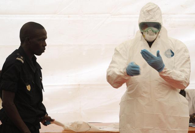 Sheik Umar Khan Ebola, Chief Ebola Doctor Sierra Leone Contracts Ebola