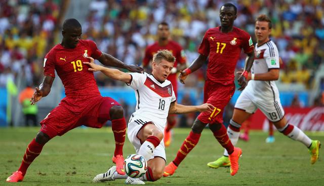 Toni Kroos Complete Midfielder