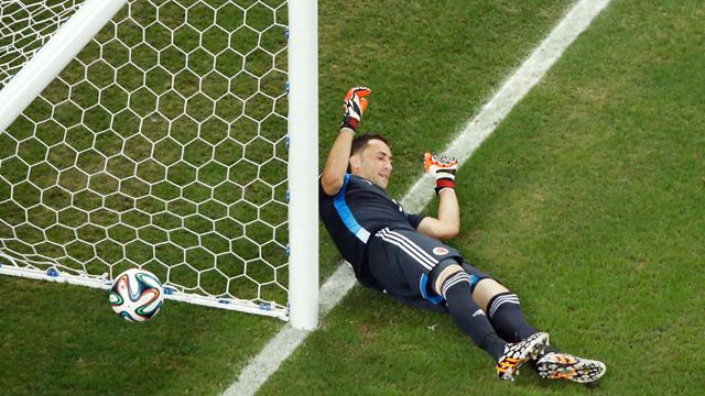 Davis Luiz Goal, Brazil vs. Colombia
