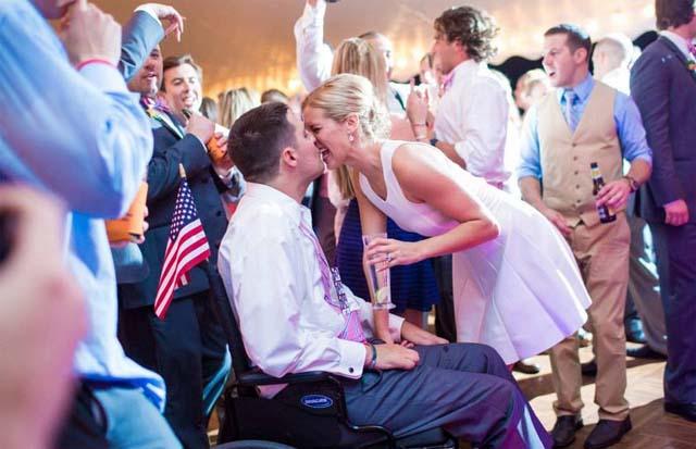 Julie Frates ALS, Julie Frates Pete's Wife