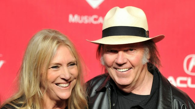 Neil Young Wife Pegi, Pegi Young, Neil Young Divorce, Neil Young And Pegi Young, Neil Young Break Up