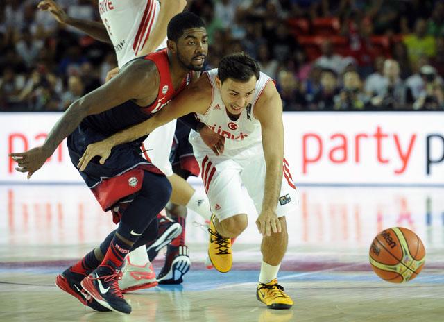 Kyrie Irving, Ender Arslan, FIBA World Cup, USA vs. Turkey