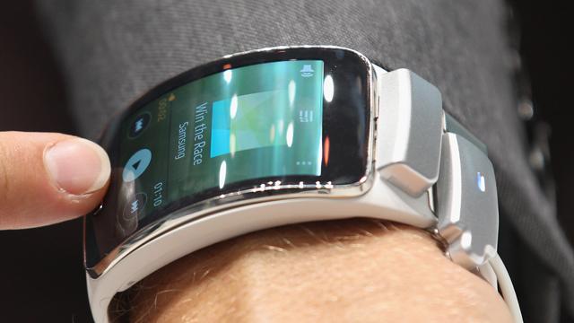 Sony Smartwatch 3, sony smartwatch, smartwatch, Samsung Gear S, galaxy gear, samsung gear, new smartwatch, berlin ifa, ifa