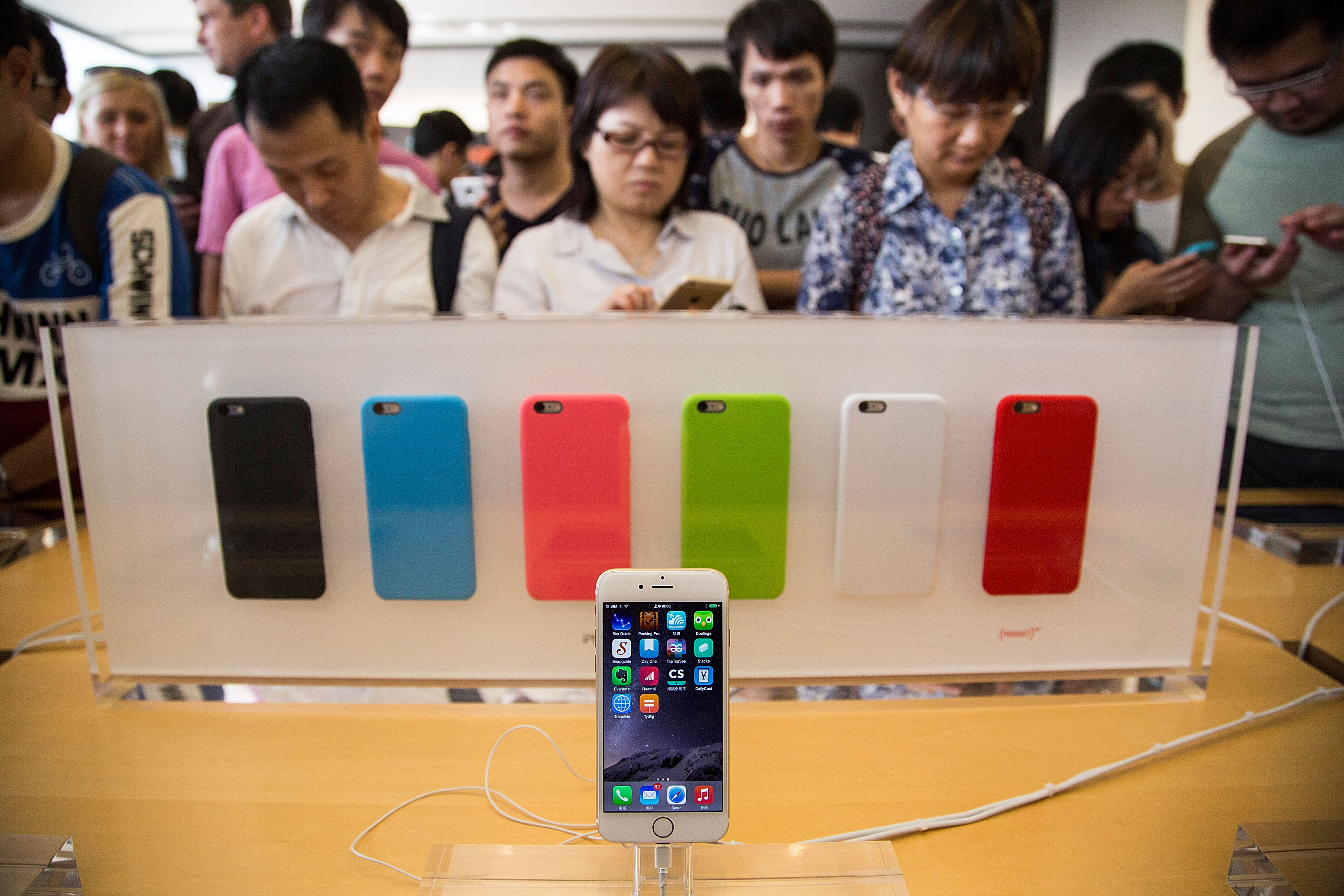 iphone 6, iphone 6 lines, iphone 6 store, iphone 6 release date, iphone 6 release, iphone 6 photos, iphone 6 pictures