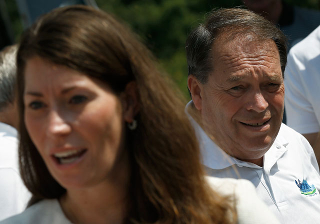 Jerry Lundergan, Alison Lundergan Grimes father