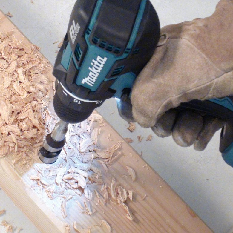 Now through December 31, Amazon will give you $25 off Makita tool orders of $100. See all the eligible Makita items here. One thing you could use this deal on is the Makita XPH06Z 18V LXT Lithium-Ion drill, pictured here. It's just $119, which is a savings of over 50 percent.