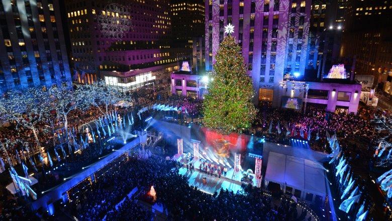 Christmas At Rockefeller Center, Rockefeller Center Tree Lighting 2014, Rockefeller Center Performances. When Is the Rockefeller Center Christmas Tree Lighting, When Does the Rockefeller Center Christmas Tree Go Up
