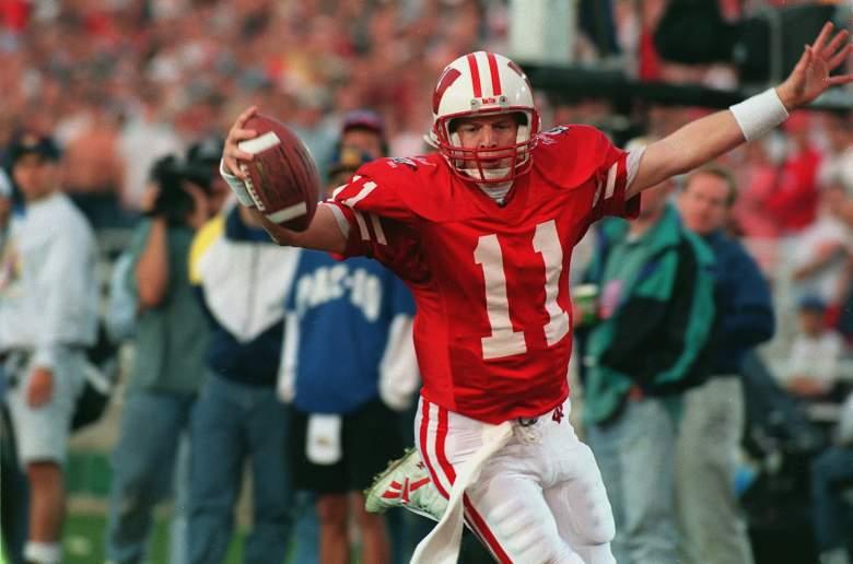 A former college quarterback, Darrell Bevell has been an NFL offensive coordinator since 2006. (Getty)