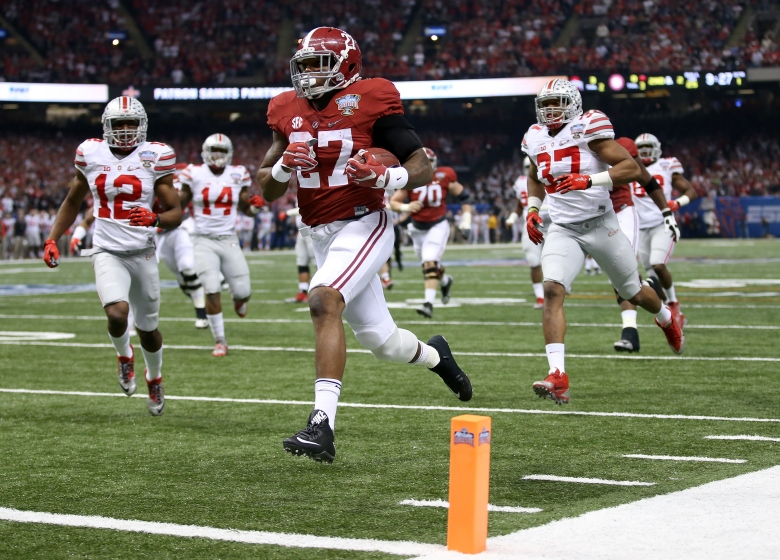Derrick Henry scored the first TD of the Sugar Bowl on a 25-yard run. (Getty)