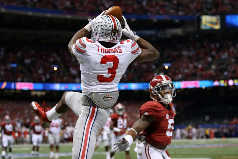 Ohio State's Michael Thomas made a toe-tapping touchdown catch late in the first half of the Sugar Bowl. (Getty)