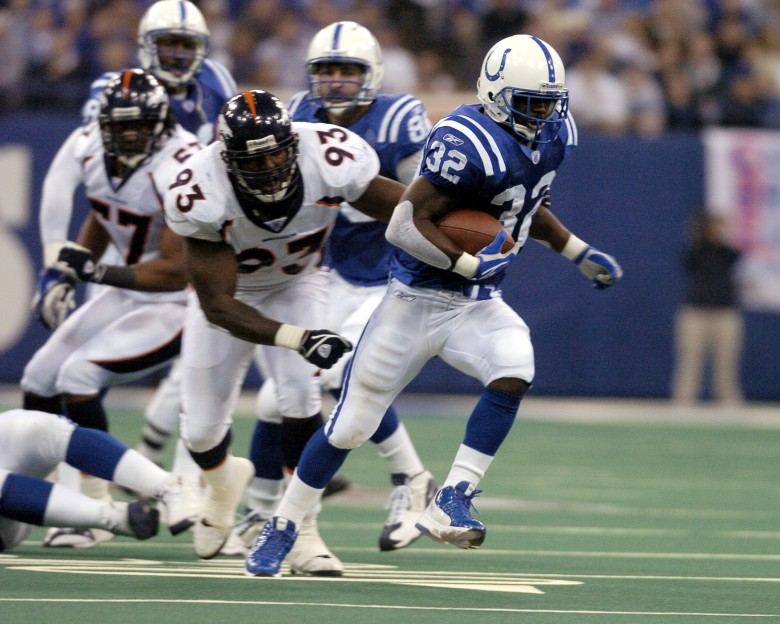Indianapolis Colts running back Edgerrin James rambles for a gain at the RCA Dome, Indianapolis, Indiana, January 4, 2004 in an AFC wildcard playoff game.