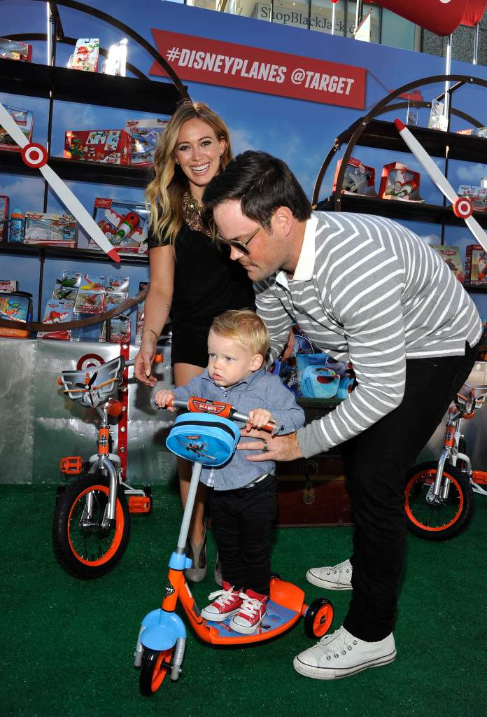 Hilary Duff and Mike Comrie with son Luca Cruz Comrie (Getty)