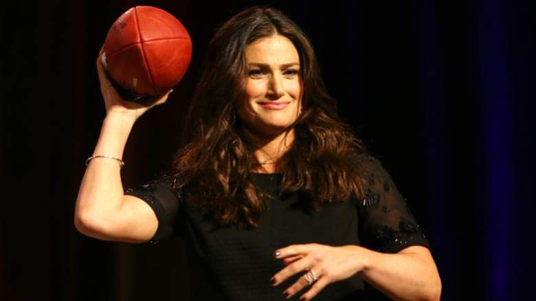 Idina Menzel, Idina Menzel Super Bowl, Idina Menzel Super Bowl 2015, Idina Menzel Singing National Anthem, Super Bowl 2015 National Anthem