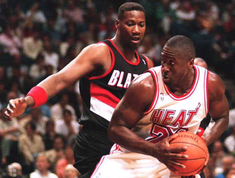 Jerome Kersey, back, died Wednesday when blood clots traveled from his calf into his lungs. (Getty)