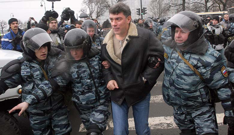 Nemtsov being arrested after a protest in 2007. (Getty)