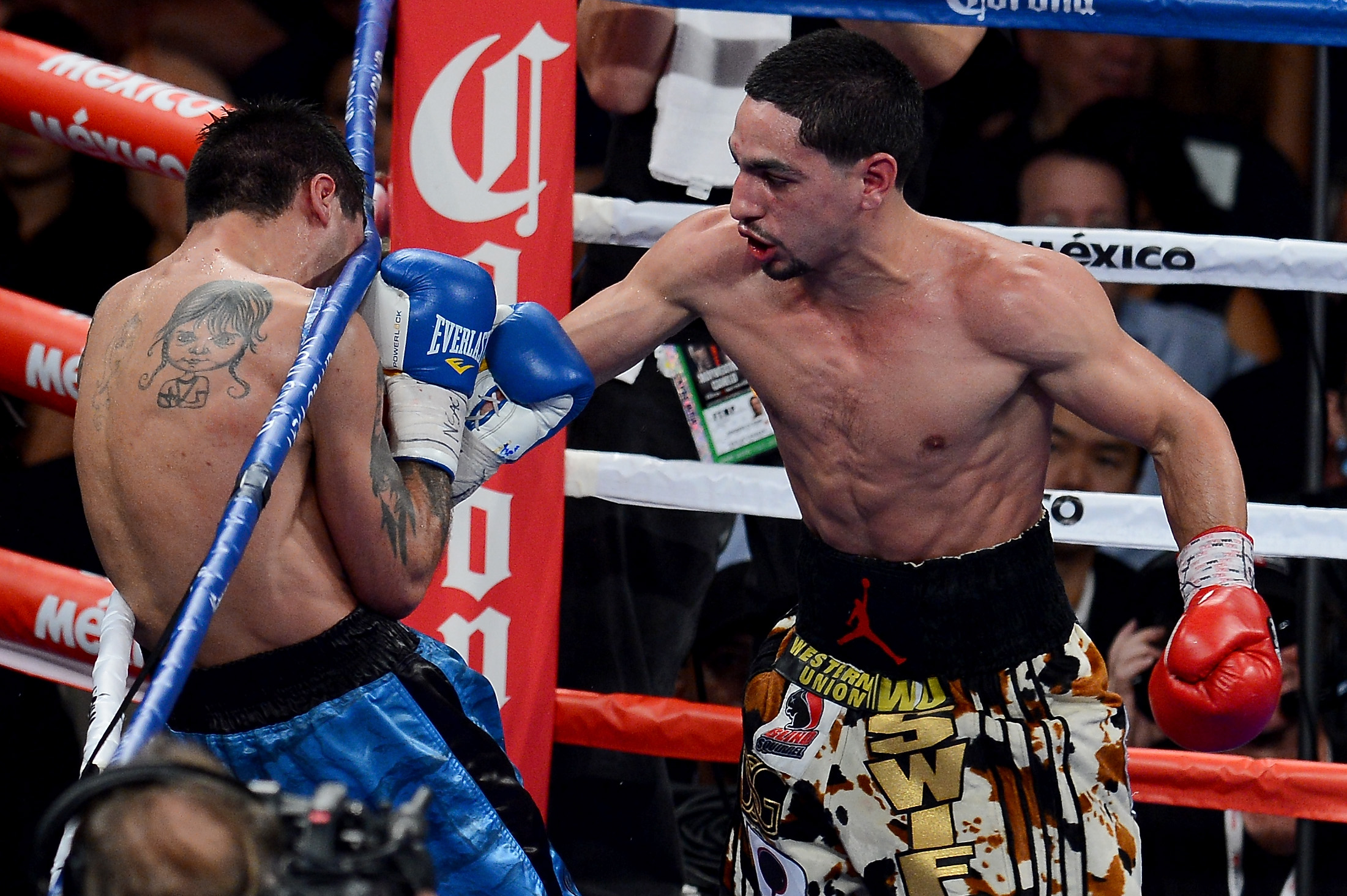 Danny Garcia throws a right at Lucas Matthysse (Getty)