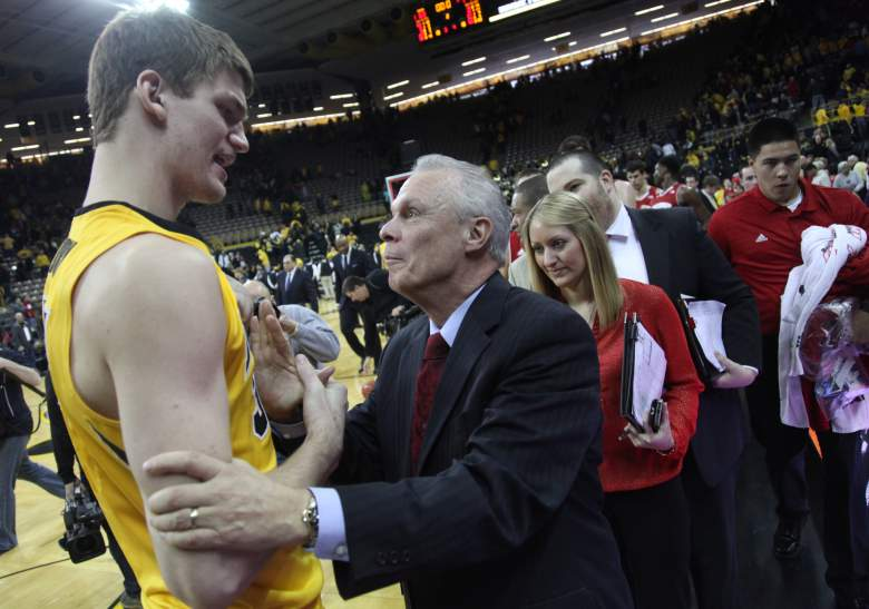 Bo Ryan talking to Iowa Hawkeyes center Adam Woodbury after a game in January 2015. (Getty)