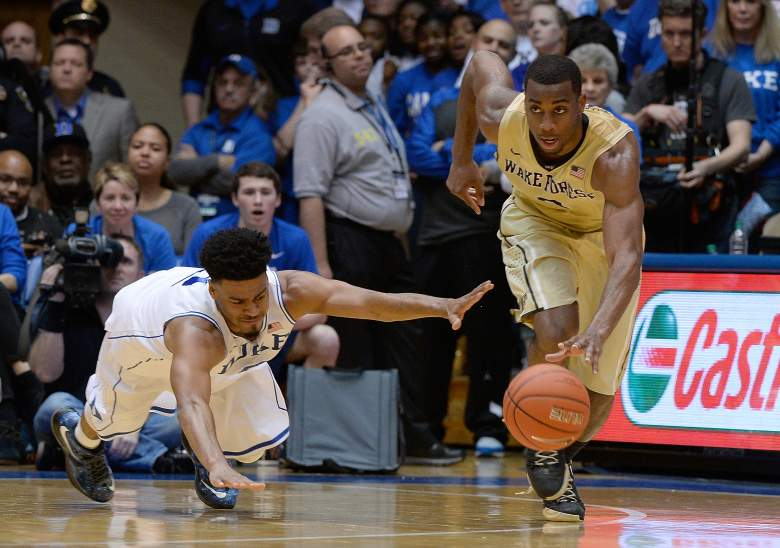 Quinn Cook fighting for a loose ball. (Getty)