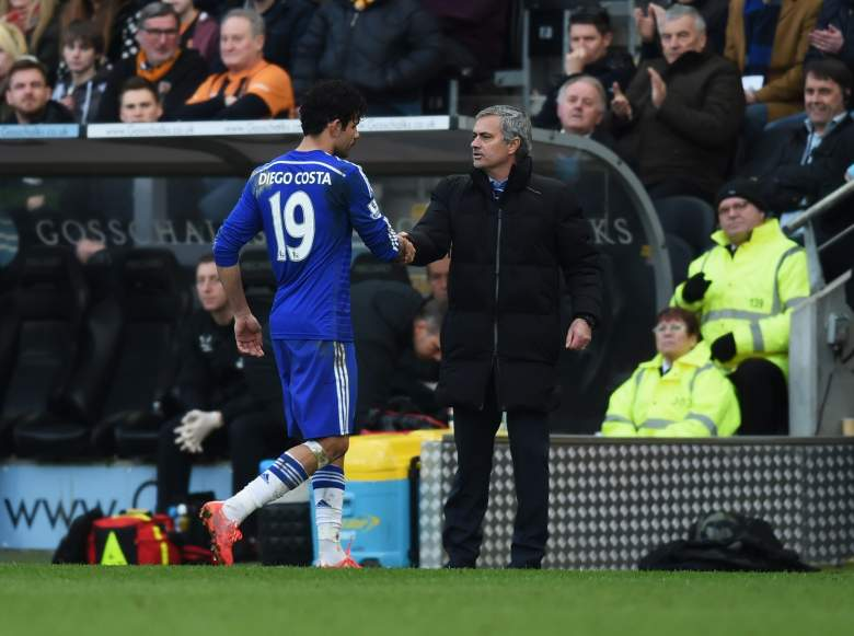 Diego Costa shakes hands with manager as he is substituted during the match with Hull. (Getty)