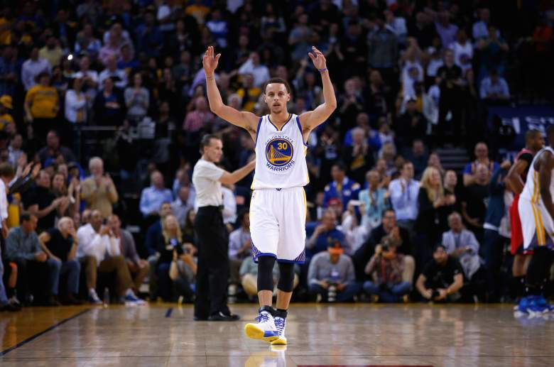 Stephen Curry leads the Golden State Warriors into Los Angeles for a Western Conference showdown with the Clippers on Tuesday night. (Getty)