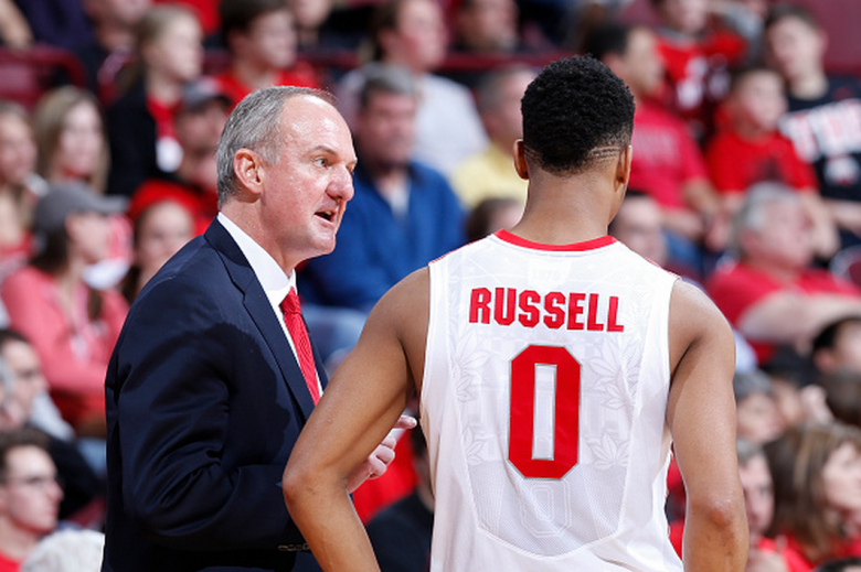 Head coach Thad Matta of the Ohio State Buckeyes talks to D'Angelo Russell #0 during the game against the Miami Redhawks at Value City Arena on December 22, 2014 in Columbus, Ohio. The Buckeyes defeated the Redhawks 93-55. (Getty)