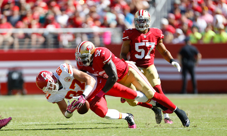 Patrick Willis #52 of the San Francisco 49ers breaks up a pass to Travis Kelce #87 of the Kansas City Chiefs during the game at Levi Stadium on October 5, 2014 in Santa Clara, California. The 49ers defeated the Chiefs 22-17. (Getty)