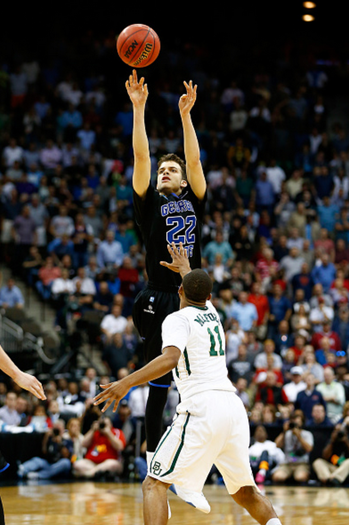 R.J. Hunter #22 of the Georgia State Panthers makes a game-winning three-pointer over Lester Medford #11 of the Baylor Bears with 2.8 seconds left in he second half during the second round of the 2015 NCAA Men's Basketball Tournament at Jacksonville Veterans Memorial Arena on March 19, 2015 in Jacksonville, Florida. (Getty)