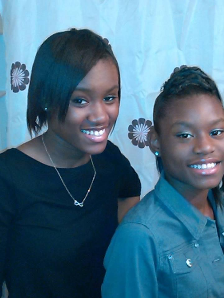 Tynijuiza Todd (left) and sister Tykira (Facebook)