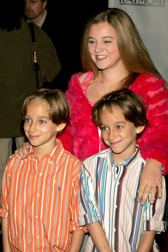 With sister Madylin and twin brother Sullivan (Getty)