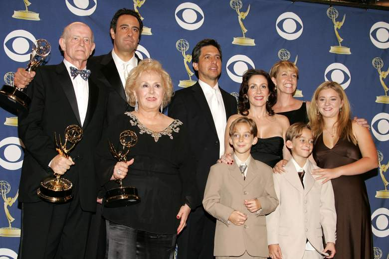 The cast of 'Everybody loves Raymond' at the Emmys in 2005 (Getty)