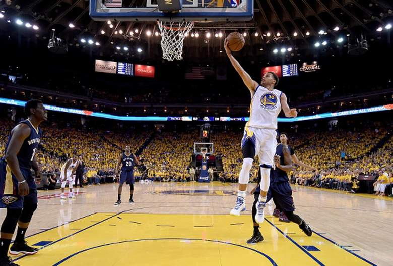Golden State Warriors Stephen Curry goes up for a shot in the NBA Playoffs against the New Orleans Pelicans. (Getty)