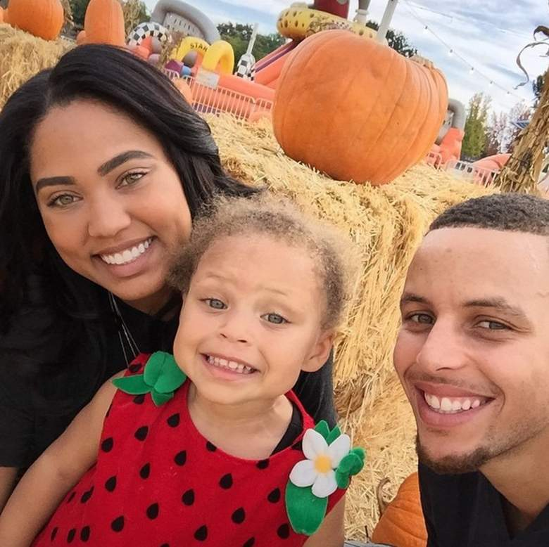 Golden State Warriors Stephen Curry with wife Ayesha Alexander and daughter Riley. (Instagram/wardell30)